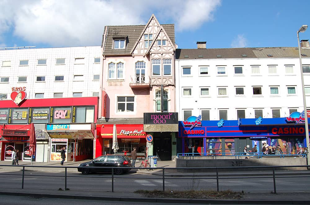 Top Ten Club building, Hamburg, 2011