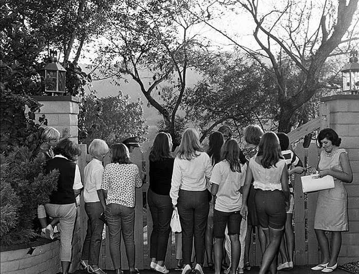 Beatles fans outside 2850 Benedict Canyon, Beverly Hills, Los Angeles