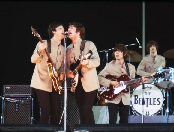 650815-beatles-shea-stadium_01-580x441.j