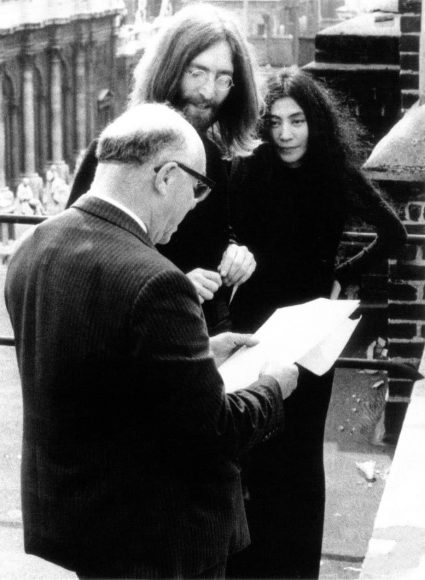 John Lennon changes his middle name to Ono, 22 April 1969