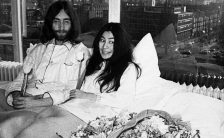 John Lennon and Yoko Ono at the Montreal bed-in for peace, 26 May 1969