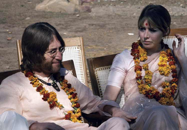 John and Cynthia Lennon in India, 1968