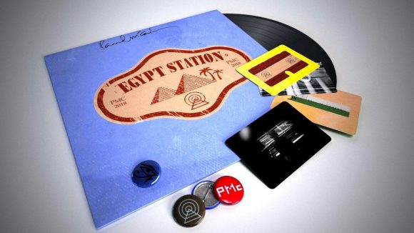 Paul McCartney – Egypt Station vinyl with postcards and badges