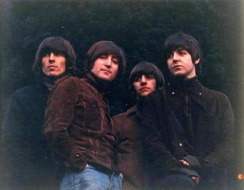 Uncropped, undistorted Rubber Soul cover photograph by Robert Freeman