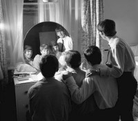 Beatles-in-mirror-1963.jpg