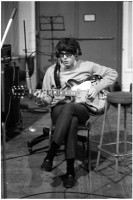 Paul-McCartney-66-guitar.jpg