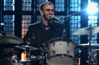 1-Ringo-Starr-Cover-Mike-Coppola.jpg